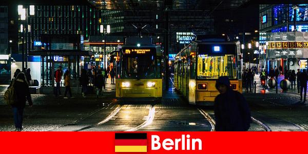 Mại dâm tại Berlin với nóng hộ tống Whores từ cuộc sống về đêm