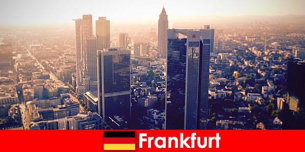 Thổ và Puffs ở Frankfurt am Main dịch vụ hộ tống hạng nhất cho khách quý tộc