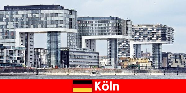 Ấn tượng cao tầng tòa nhà ở Cologne người lạ ngạc nhiên