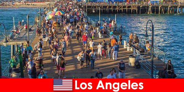 Hướng dẫn du lịch chuyên nghiệp cho các tour du lịch và cưỡi thuyền hàng đầu tại Los Angeles