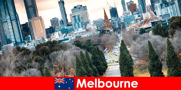 Sự đa dạng văn hóa ở Melbourne cũng làm hài lòng những kỳ nghỉ ngắn