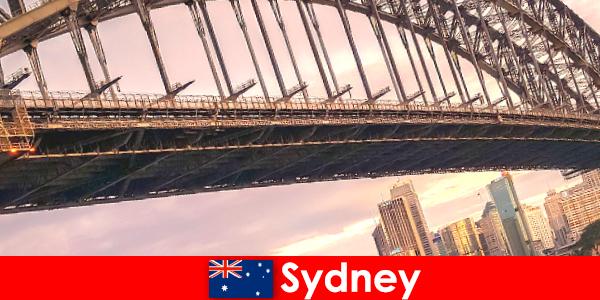 Sydney với những cây cầu của nó là một điểm đến rất phổ biến cho du khách Úc