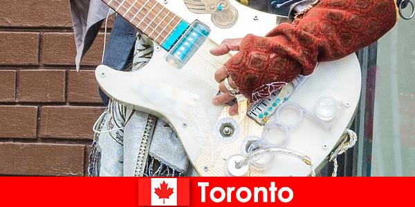Người lạ yêu Toronto cho cosmopolitanism của nó cho các cảnh âm nhạc của tất cả các nền văn hóa