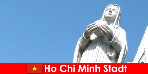 Trung tâm kinh tế thành phố Hồ Chí Minh là điểm đến của người nước ngoài