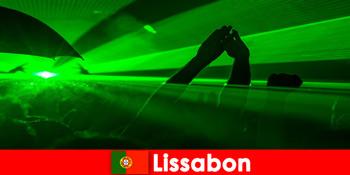 Các buổi tối disco nổi tiếng trên bãi biển cho khách du lịch tiệc trẻ ở Lisbon Bồ Đào Nha