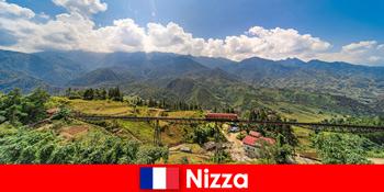 Bằng tàu hỏa qua các ngôi làng và núi non ở vùng nội địa Nice France
