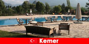 Các chuyến bay giá rẻ, khách sạn và cho thuê đến Kemer Thổ Nhĩ Kỳ cho khách du lịch mùa hè với gia đình