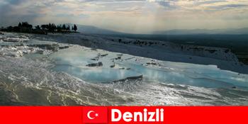 Kỳ nghỉ spa cho khách du lịch trong suối nước nóng chữa bệnh của Denizli Thổ Nhĩ Kỳ